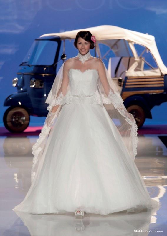 Collezione abiti da sposa #Nicole, abito da #sposa modello Nicosia