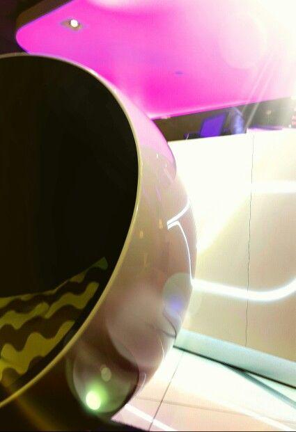 Ihana pallotuoli (Ball Chair Audio) designed by Eero Aarnio
