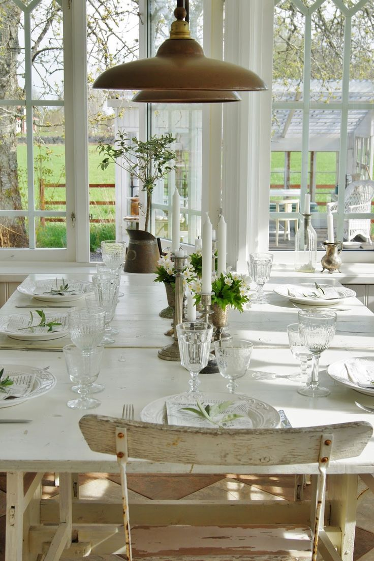 17 best images about everyday tablescape inspiration on for Dining room tablescapes ideas