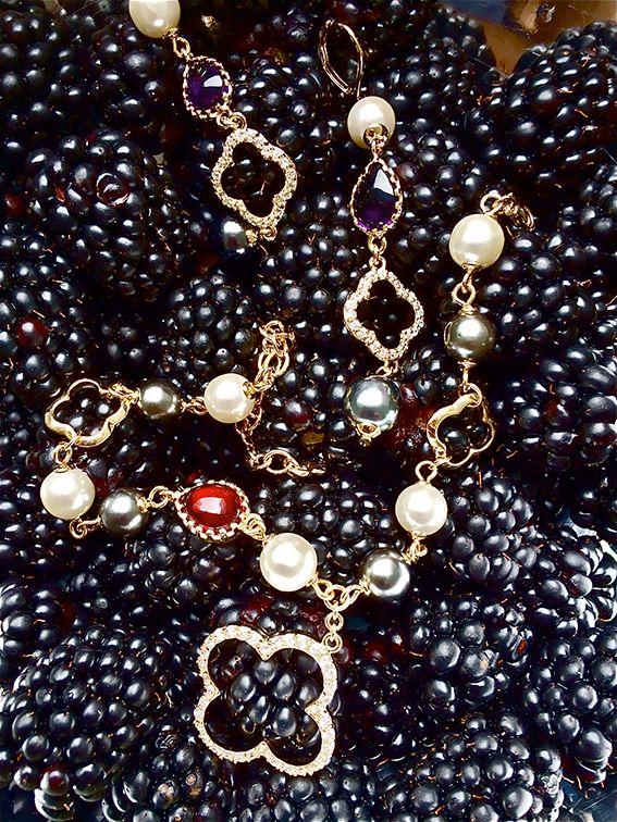Smaki późnego lata - delikatne, a zarazem pełne wyrazu. Taka jest też biżuteria z serii ROCHERS od SCALLINI.   Więcej na www.scallini.pl