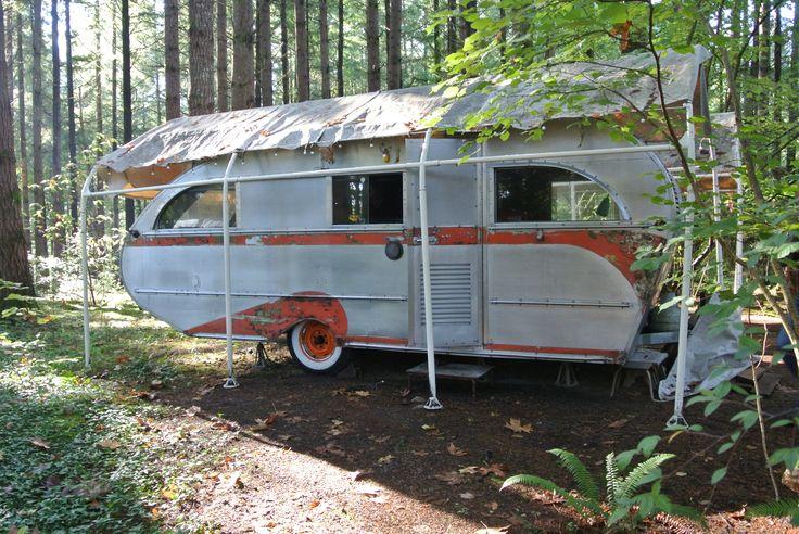 1947 vintage trailer. Restoration in process Vintage
