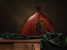 Ваза и зелёный шёлк. Автор: Лебедева Светлана