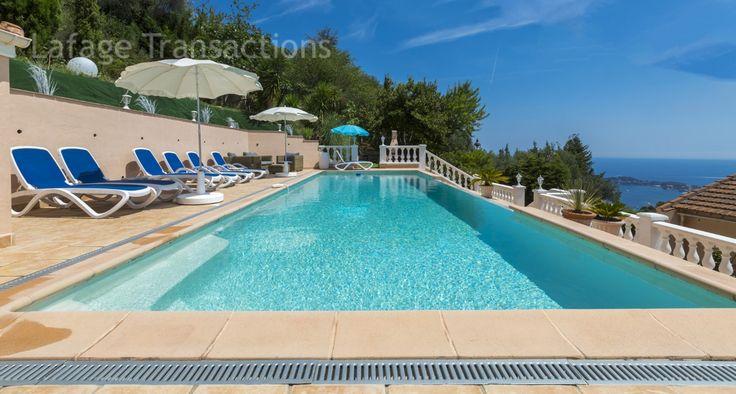 #Vente #Villa provençale à Villefranche sur mer. 230m2 5 chambres - Terrain de 1500m2 avec #piscine Jolie vue mer http://www.french-riviera-property.com/fr/detail-villas-a-vendre/4528-villefranche-sur-mer-villa-a-vendre-de-227-m2-vue-mer-piscine-garages.cfm #immobilier #cotedazur