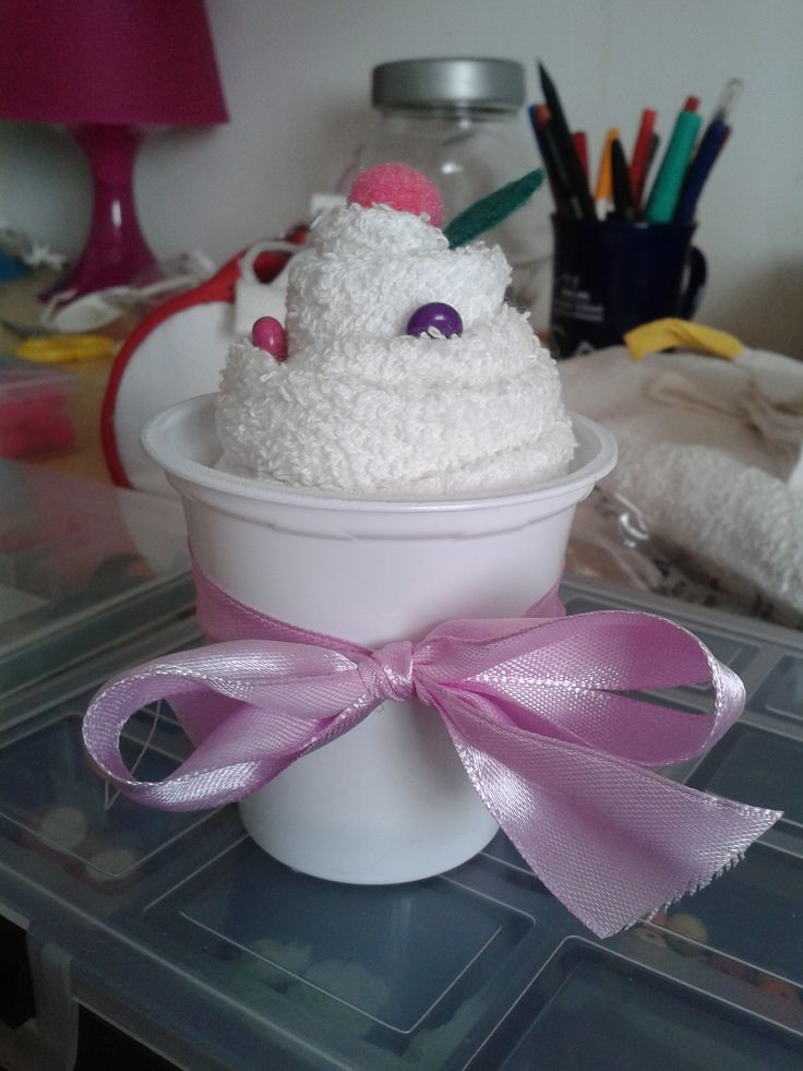#CandyPixel at TEA TIME #cupcakes #asciugamano #riciclo #vasetti #yogurt