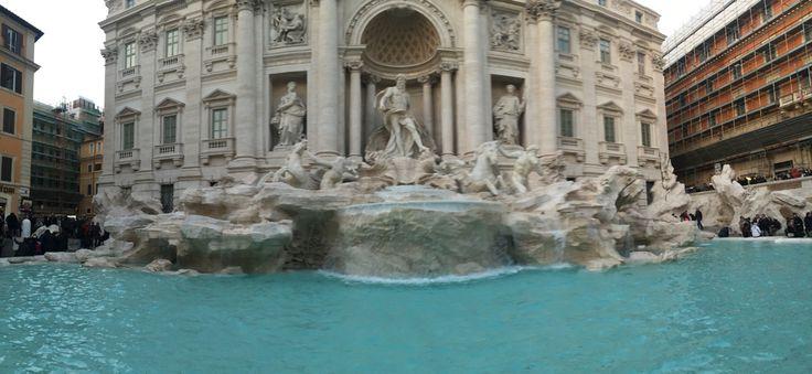 Fontana di trevi, Roma.
