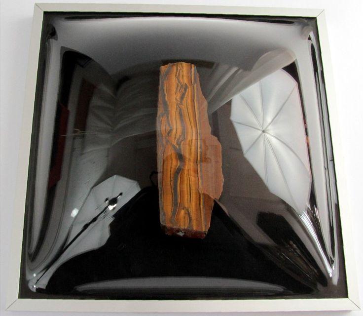 Ładny kamień w ramce 3d doskonale będzie prezentował się w każdym wnętrzu!