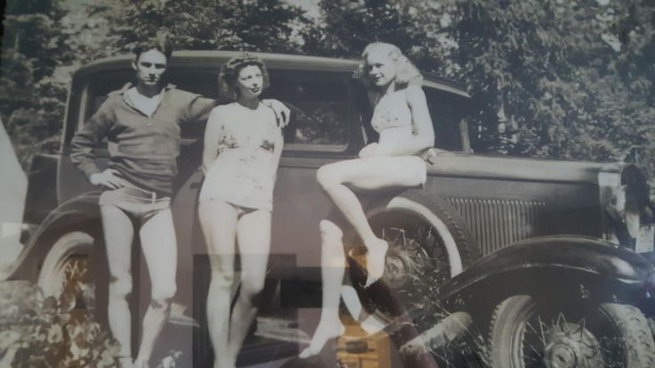 My Grandparents and great aunt around 1940 (apologies for picture quality) http://ift.tt/2vWM5Pl