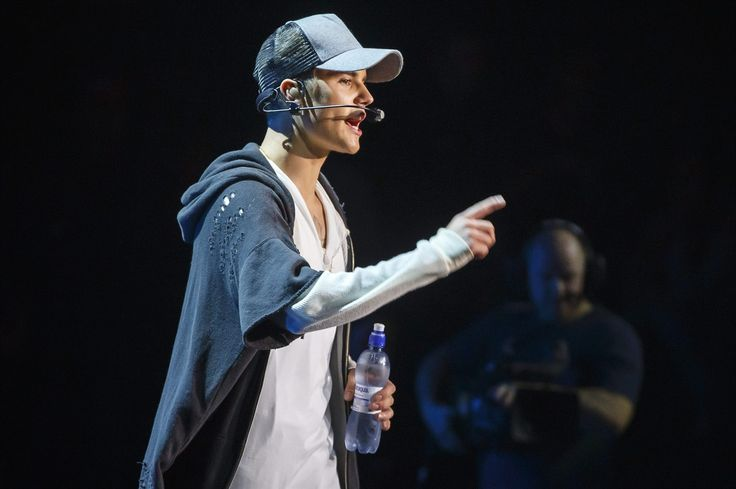 Canadian pop star Justin Bieber is in hot water over reports that he appeared with young lions at two Toronto events.