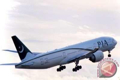 Selayaknya Bis, Tujuh Penumpang Pesawat Pakistan Harus Berdiri Selama Penerbangan