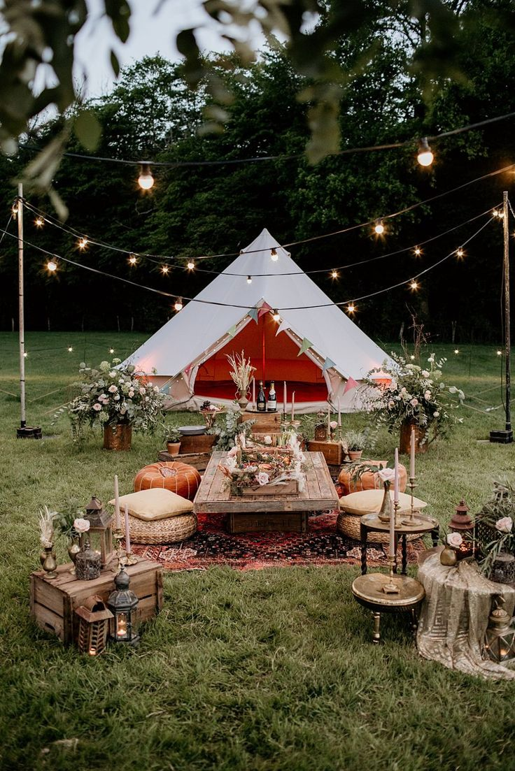 Alfresco Glamping | An Evening Wedding Inspiration Shoot with Bell Tents