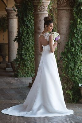 Bei Brautmoden Tirol Gerne Bestellen Wir Auch Ihr Traumkleid Von
