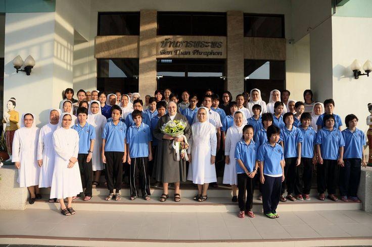 https://flic.kr/s/aHskJKwMmd | La Madre anima gli Esercizi spirituali per le Ispettrice dell'Asia e Oceania. | La Madre anima gli Esercizi spirituali per le Ispettrici delle Conferenze Interispettoriali CIAO e PCI, e l'ispettoria SPR (12 - 21 ottobre 2016, Sam Phran, Thailandia).