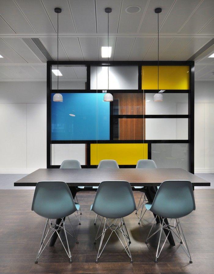 Office. Cadeira Eames. Sala de Reunião. Decor.