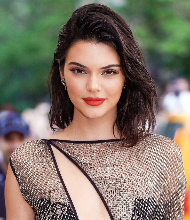 Click through to find out the makeup Kendall Jenner wore to the 2017 Met Gala, including her red lipstick