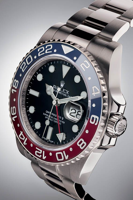 La Cote des Montres : La montre Rolex Oyster Perpetual GMT-Master II - La mythique lunette Cerachrom rouge et bleue