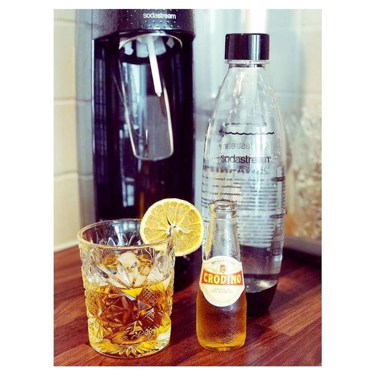 Jaaa zomerweer! Tijd voor verfrissende drankjes - en laat daar nou net leuke inspiratie op de site staan. Met de SodaStream in een handomdraai feestelijke non-alcoholische drankjes voor de mensen die 'gewoon' water ook maar saai vinden. Bubbel er op los! #sodastream #cookinglife #ad