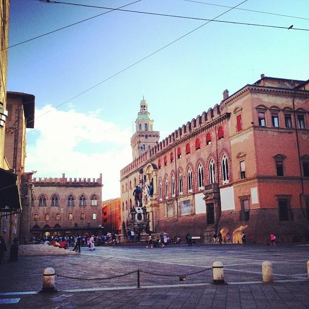 Piazza Nettuno #bologna #italy #sunday, via Flickr.