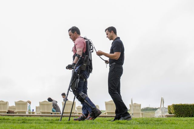 How electronic tissue could help paralyzed people walk again | New therapeutic possibilities for patients suffering from neurological trauma or disorders, particularly individuals who have become paralyzed following spinal cord injury.