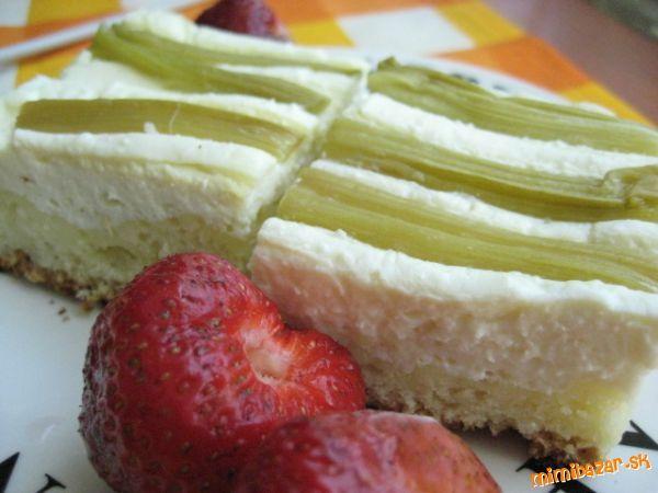 Kysnutý koláč s tvarohom a ovocím