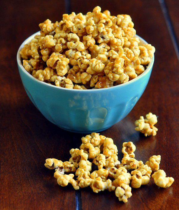 Olivia's Killer Karamel Korn a.k.a. Easy Caramel Popcorn - the best caramel corn I've ever tried and a terrific addition to your Superbowl party eats!
