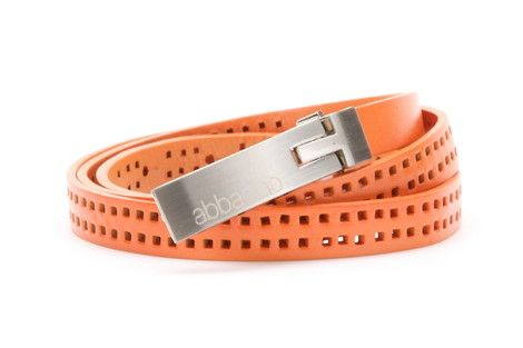 Extra thin 1.5cm wide perforated leather belt with metallic fastener.