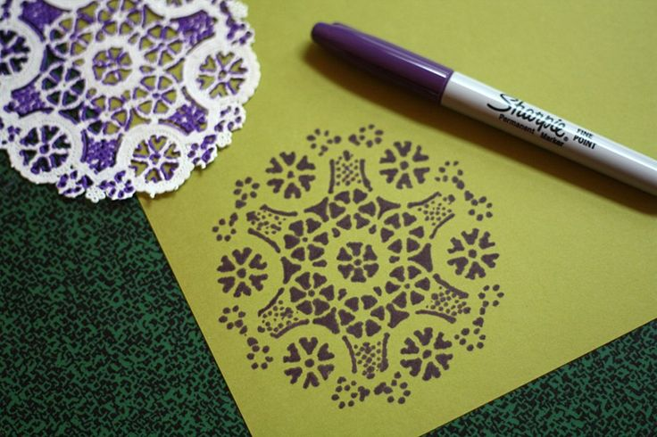 Trace a doily with a Sharpie for a great Stencil idea~: Paper Doilies, Art, Diy Project, Doily Stencil, Christmas Card, Craft Ideas, Crafts, Sharpie Stencil