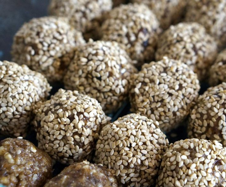 Raw Gingerbread Cookie Dough Balls - GAPS, Paleo, Vegan option, Grain, Gluten & Dairy Free