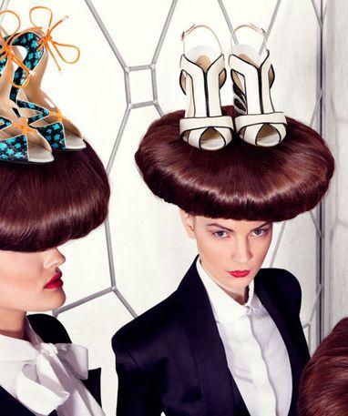 Nicholas Kirkwood, lauréat du BFC/Vogue Designer Fashion Fund 2013 http://www.vogue.fr/mode/news-mode/articles/nicholas-kirkwood-laureat-du-bfc-vogue-designer-fashion-fund-2013/17585