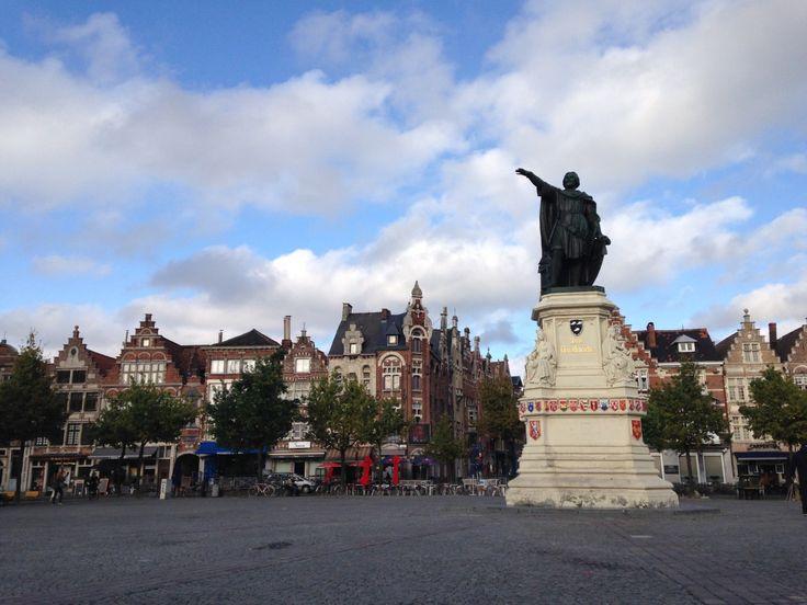 Recorrer Bélgica Pasé en Bélgica casi una semana y conocí las ciudades turísticas más importantes. Me divertí mucho, me decepcioné un poco. Sin embargo, es un país al que volvería una y mil veces, …