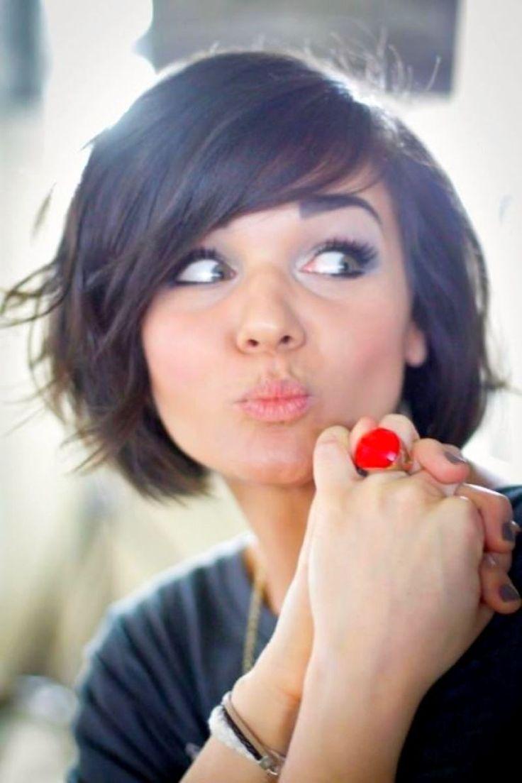 cool Оригинальные женские стрижки для круглого лица в 2016 году - на короткие и средние волосы (50 фото)