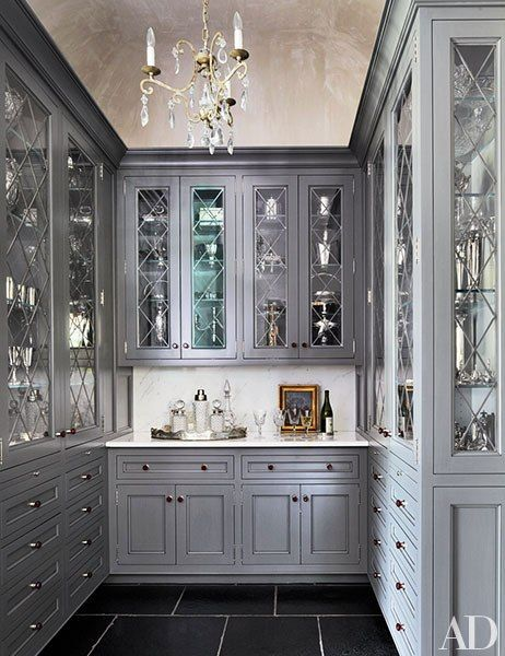 Oh my...Diamond-pattern glass / crystal chandelier / gray.