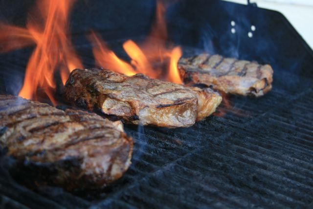 Grilling Trick - How to Check Your Steaks With No Thermometer