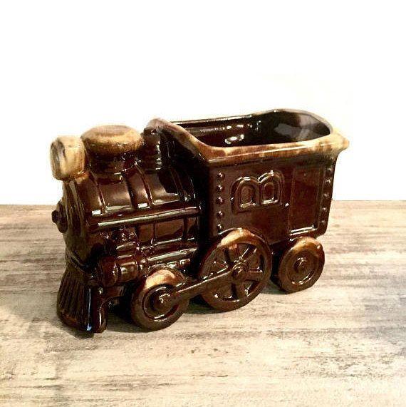 Vintage Train Planter Locomotive Vase Brown Steam train #pottery #ceramic #train #trainplanter #planter #vintage #vintagevase #vintageplanter #trainvase #steamtrain #steampunk #steampunkhomedecor #steampunkdecor #locomotive