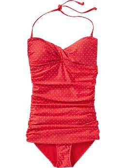 I'm in love with this bathing suit. Super cute!