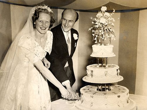 Real Retro Weddings: 67 Best Images About Real Vintage Wedding Cakes On