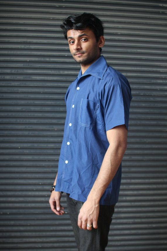 Vintage mens short-sleeve wing collar shirt in blue, 1970s