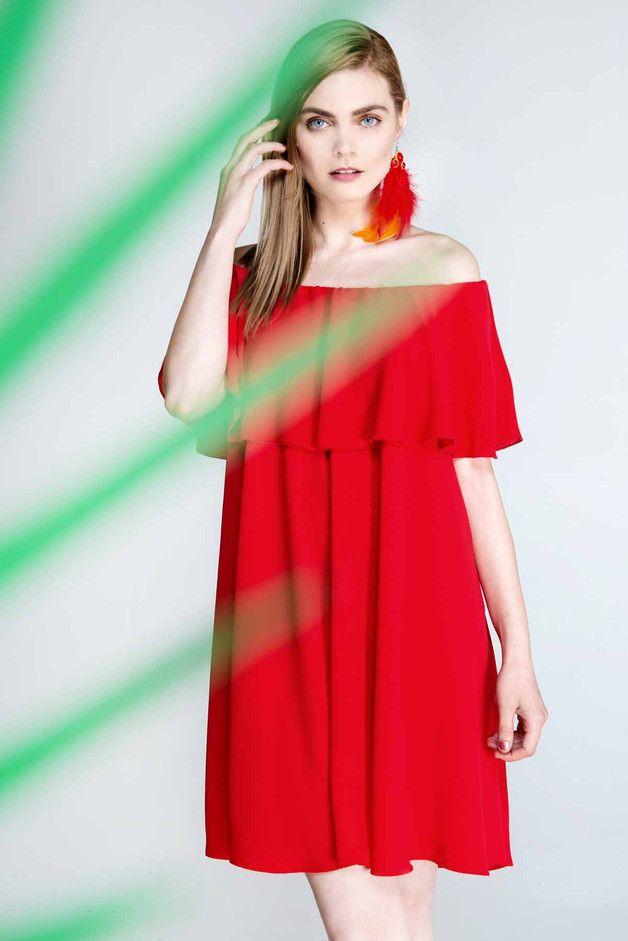 Luźna sukienka z falbaną, czerwona. D104 - Fanfaronada - Sukienki koktajlowe