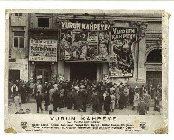 """Taksim Sineması'nda """"Vurun Kahpeye"""" (1949)"""