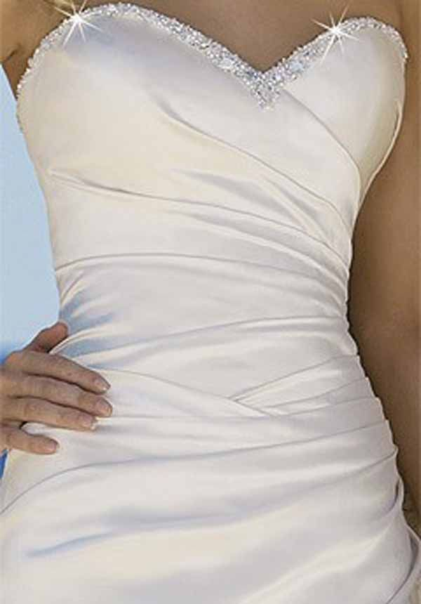sweetheart neckline with a touch of bling