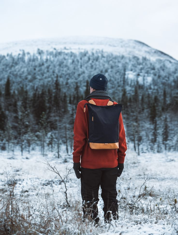 Wau beanie of merino wool and Pahi backpack of recycled materials by COSTO. Photograph by Sanni Vierelä in Finnish Lapland