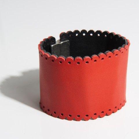 """Bracelet manchette modèle """"feston"""" """"Design raffiné et exclusif Dana Esteline"""" crée par Joyce Benoist  Fermoir aimanté, garanti sans nickel : 4 cm  Coloris tendance, multiples et contrastés"""