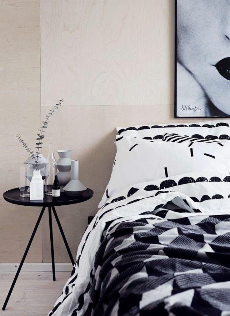 Black and white bedroom, Cote Maison. http://www.kenisahome.com/blog