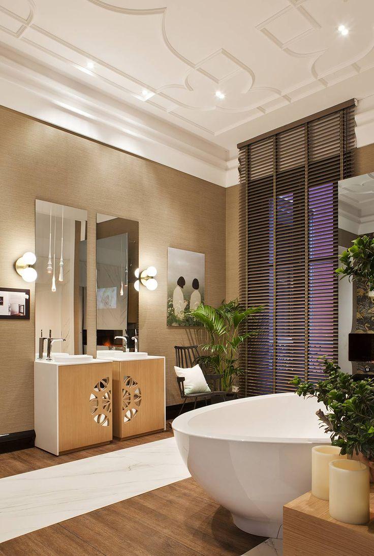 Los efectos de luz y la música ambiental ayudan a conseguir una atmósfera mágica que nos dejará cautivos. #details #bathroom #homedecor #decoracion #design #interiordesign #deco #interiorismo