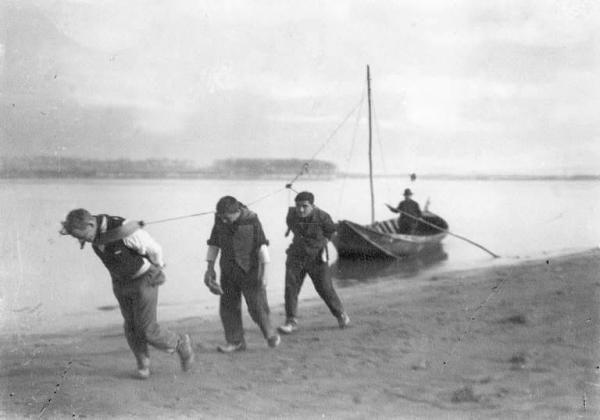 Fiume Po - Traino di un barcone (Ernesto Fazioli 1928)