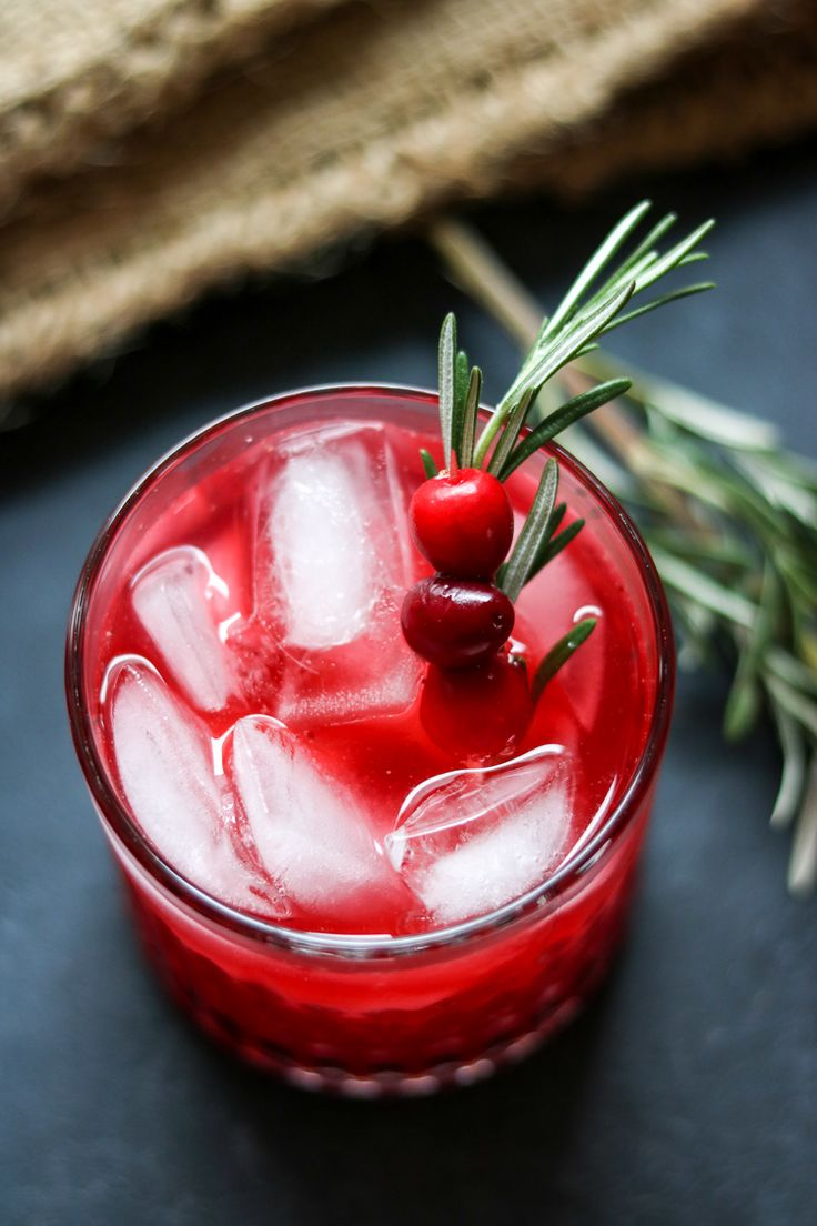 Fresh Cranberry Vodka Spritzers (with Rosemary!) - make it in a big batch and serve it from a pitcher!