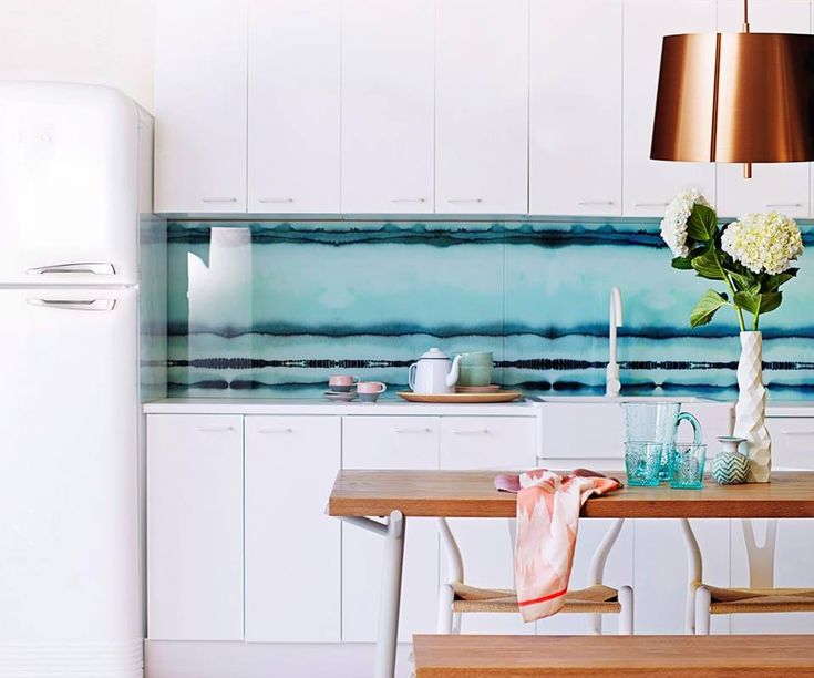1000 ideas about glass splashbacks for kitchens on for Cheap kitchen splashback ideas