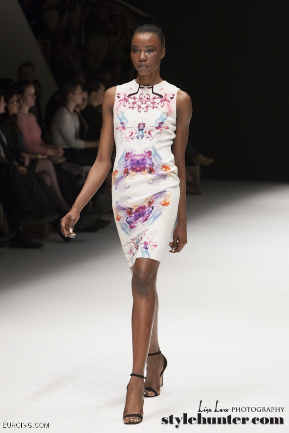 Hot off the Runway ... I want this dress!