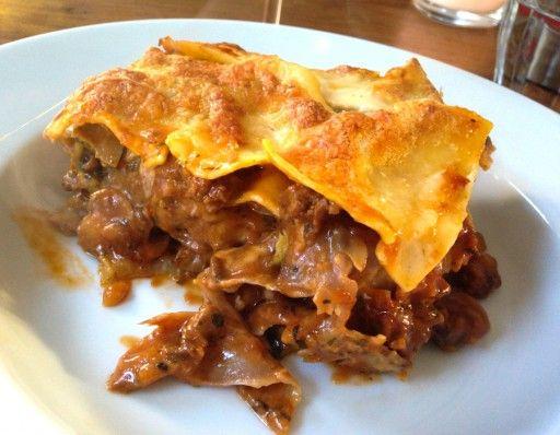 Killer lasagne met worst en gegrilde groenten