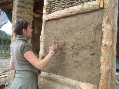 how to build a wattle and daub cottage, I wanna play in the mud!