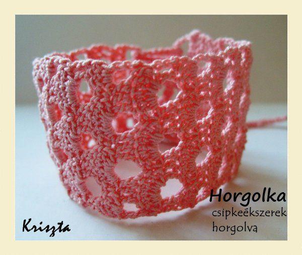 Kriszta - rózsaszín horgolt karkötő